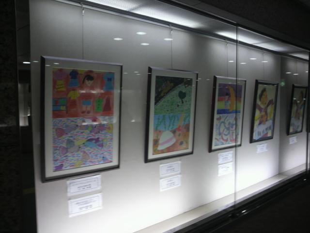 駅北地下街の展示